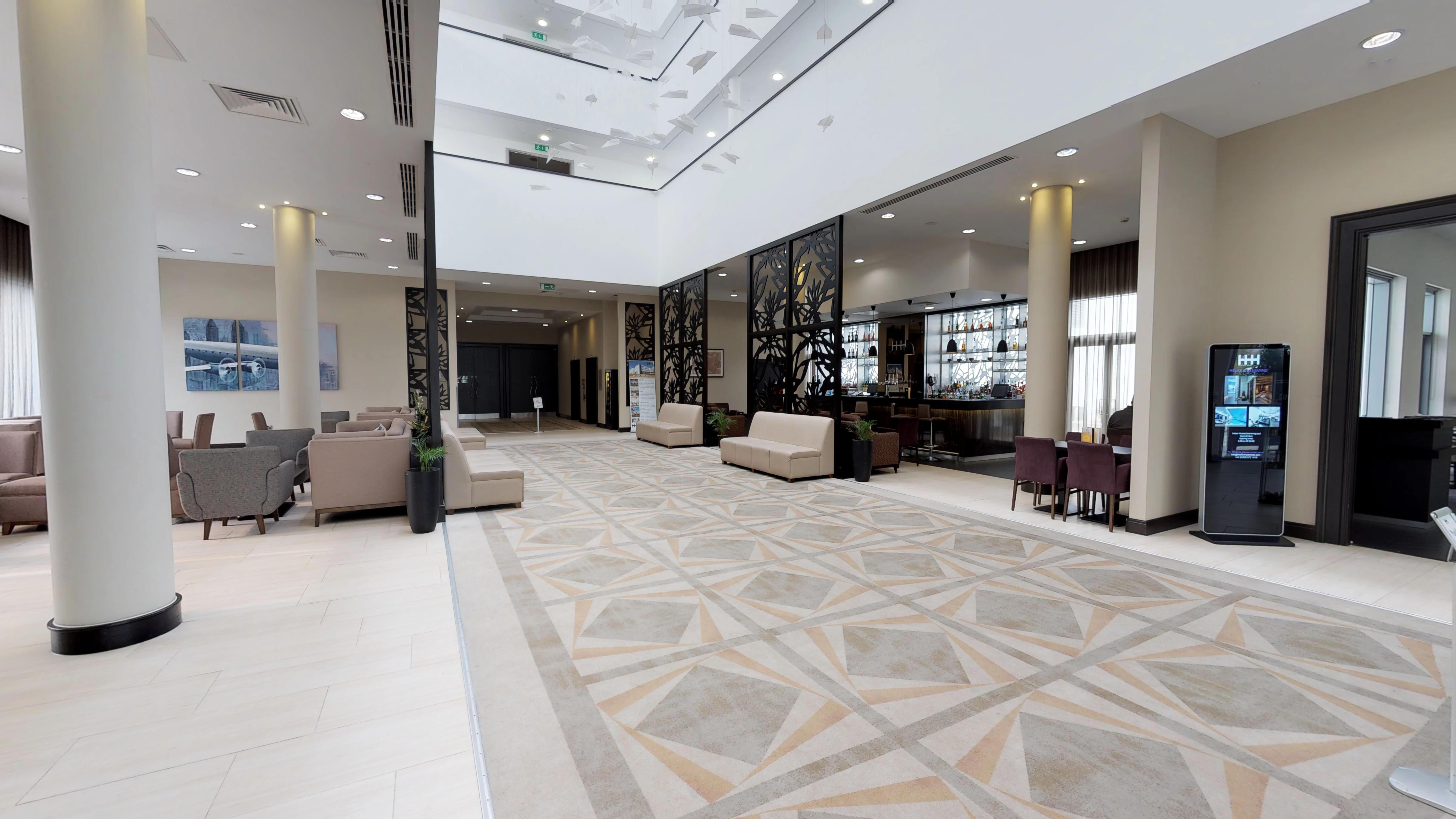 [Pro2] Heston Hyde Hotel