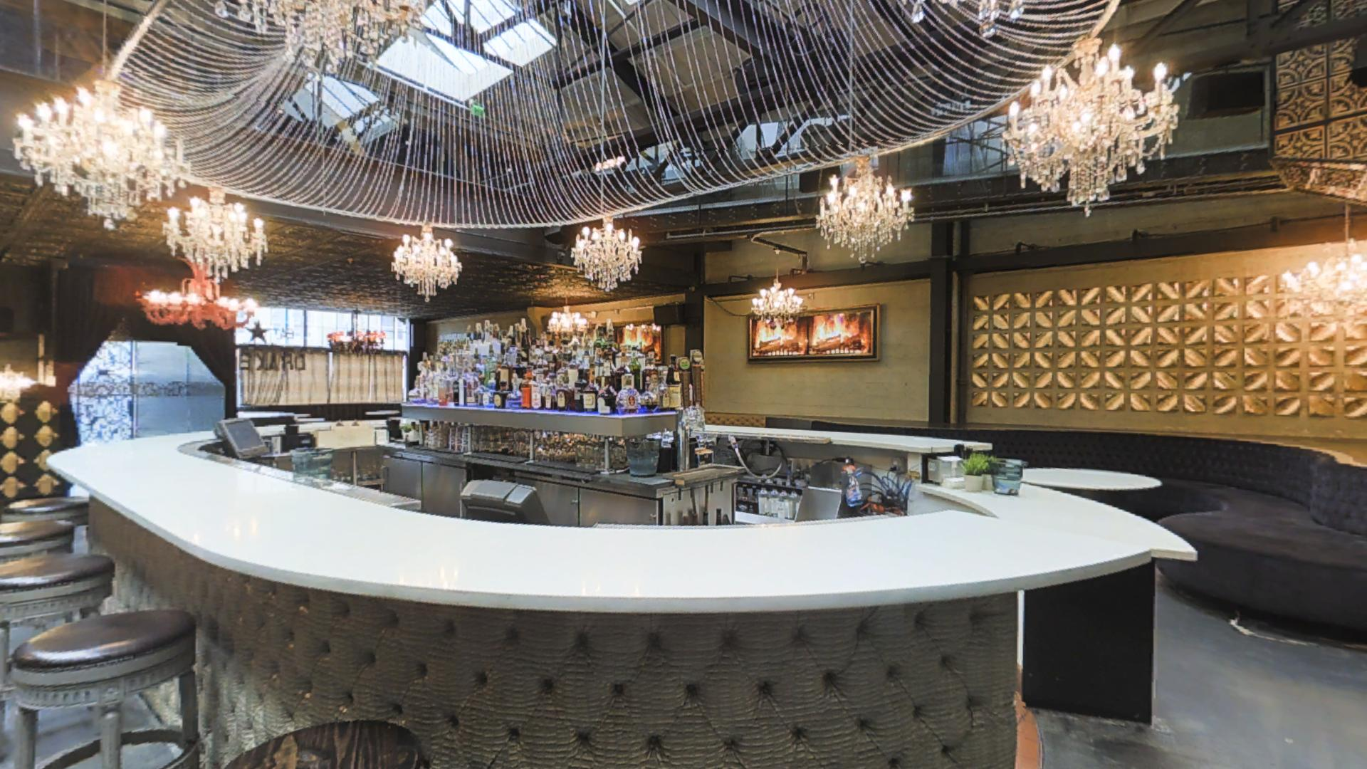Drake Restaurant, Bar & Lounge