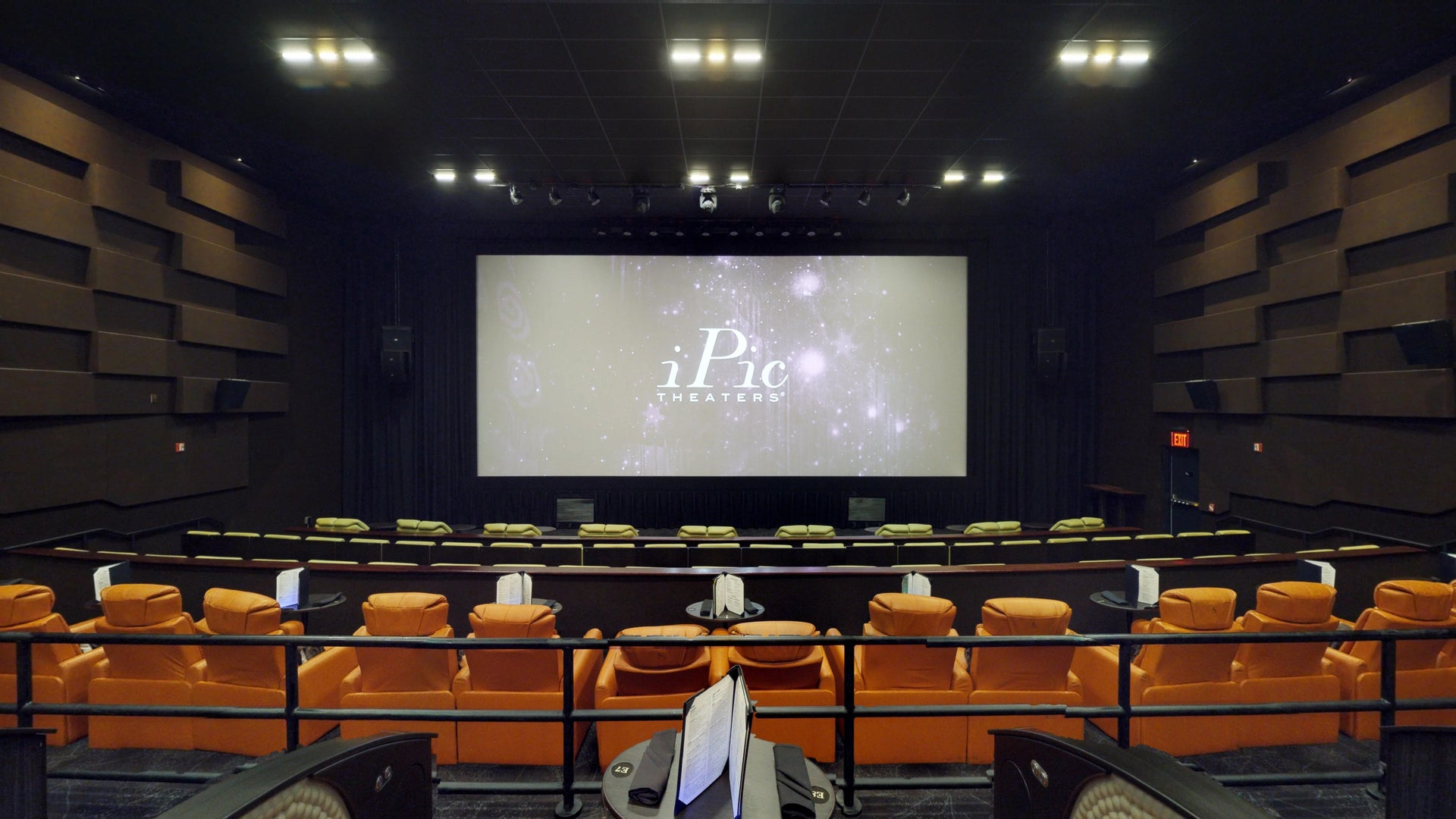 iPic Fulton Market - Auditorium 8 - 138 Seats