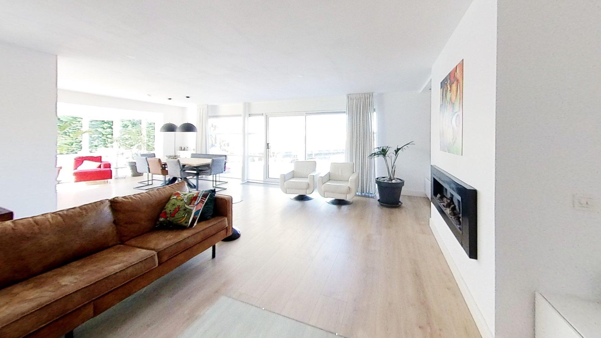 Modern Home: Almere, Netherlands